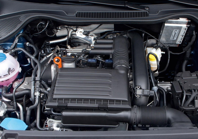 Volkswagen-Polo-BlueGT-engine